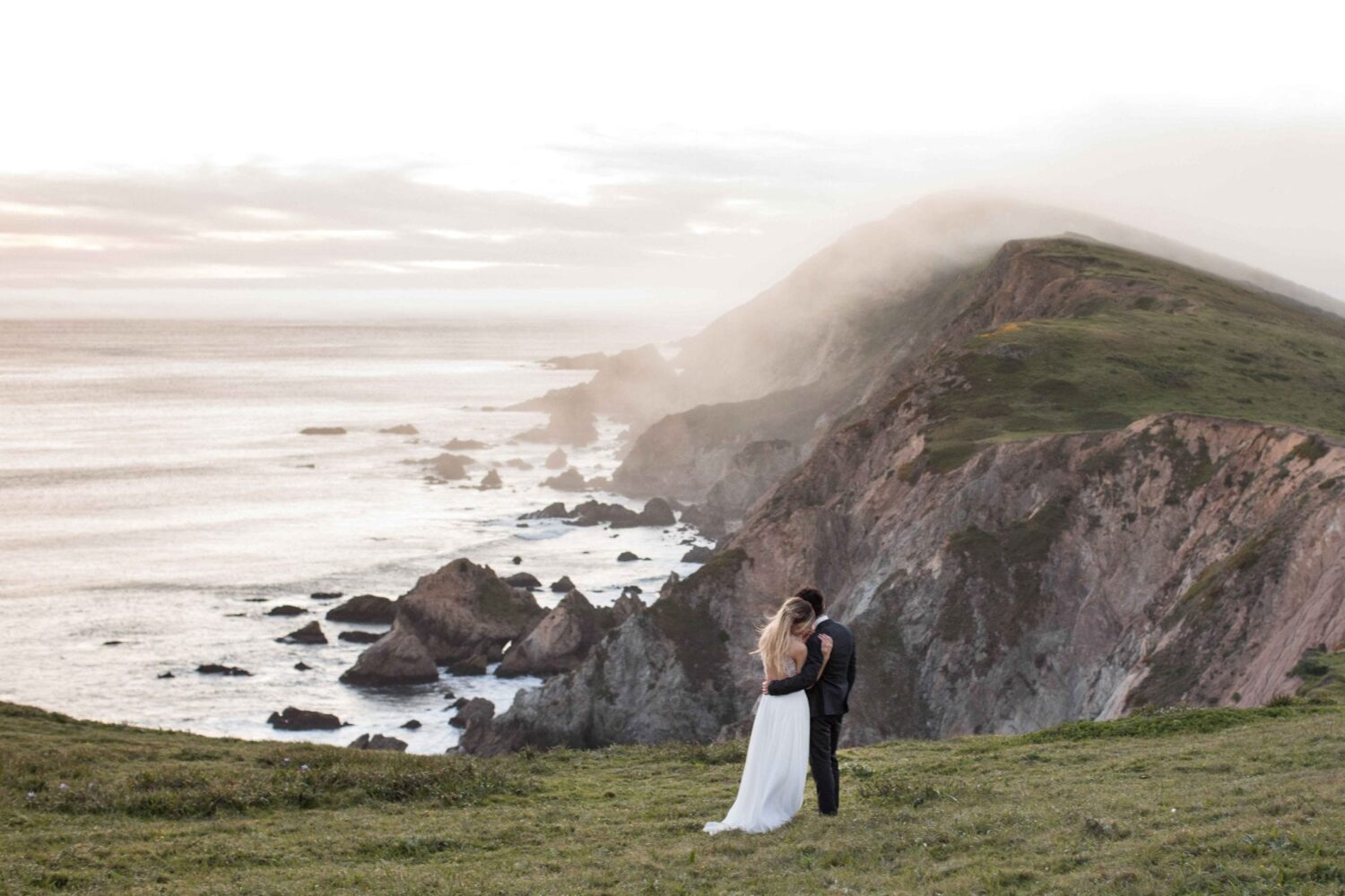 Incredible California Cliffs to have wedding portraits