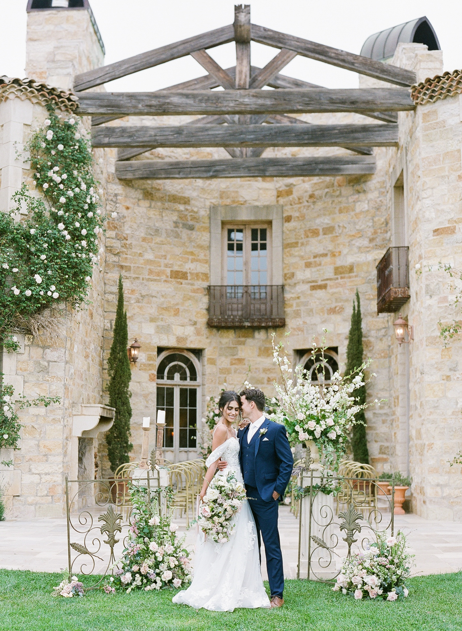 couple getting married at sunstone winery